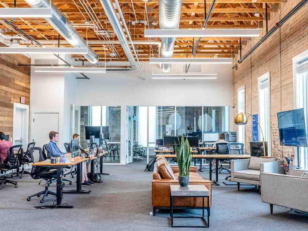 Comment lancer son entreprise de création et vente de meubles